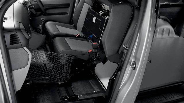 Peugeot Expert interior space