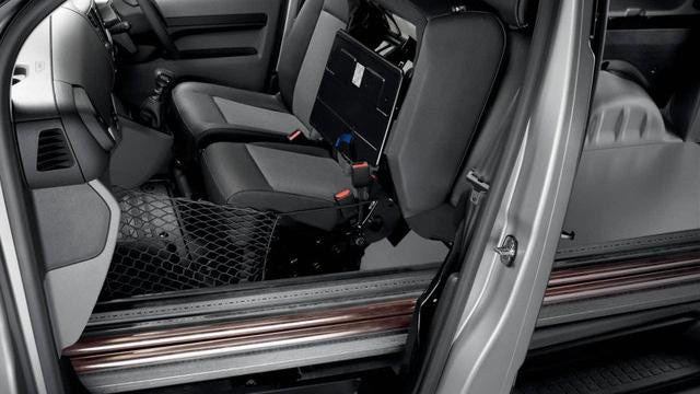 Peugeot Expert front seats space
