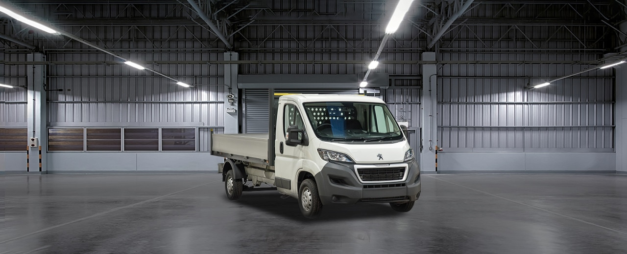 Peugeot Boxer with Dropside Trailer