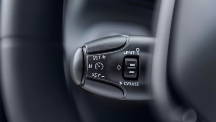 NEW PEUGEOT PARTNER: enjoy the simple comfort of cruise control or speed limiter