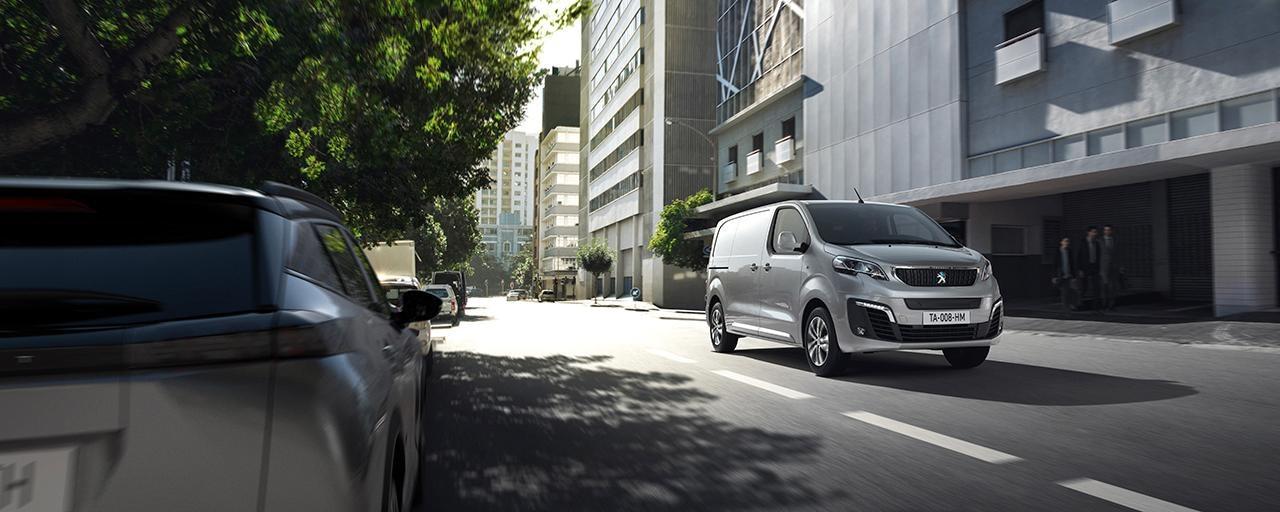 PEUGEOT e-EXPERT- Peugeot's compact electric van