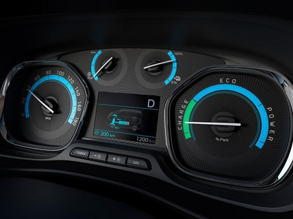 New Peugeot e-Expert - specific new instrument panel