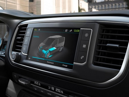 New Peugeot e-Expert - large 3D touch screen