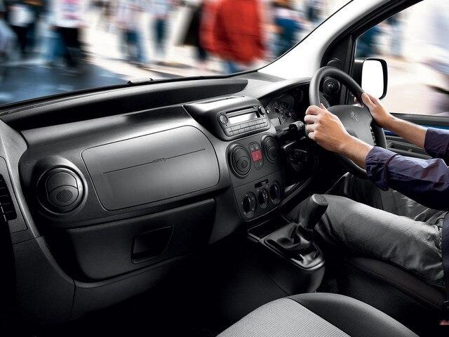 Peugeot Bipper ergonomics