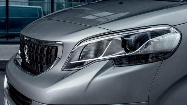 PEUGEOT EXPERT – LED lighting signature