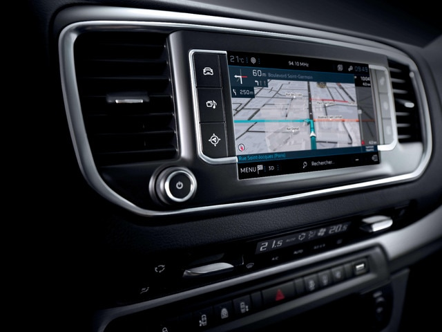 PEUGEOT Expert – Touchscreen and connectivity